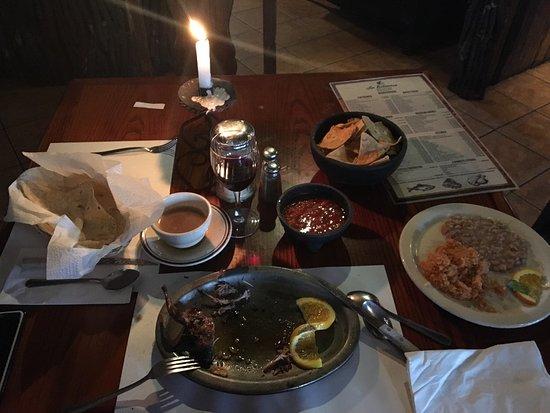 La Estancia Steak House: Un lugar muy agradable el servicio muy bueno y la comida también se los recomiendo