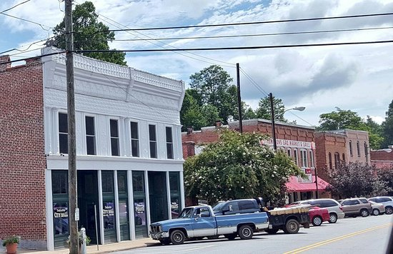 Saluda, Carolina do Norte: IMG_-wsgqx0_large.jpg