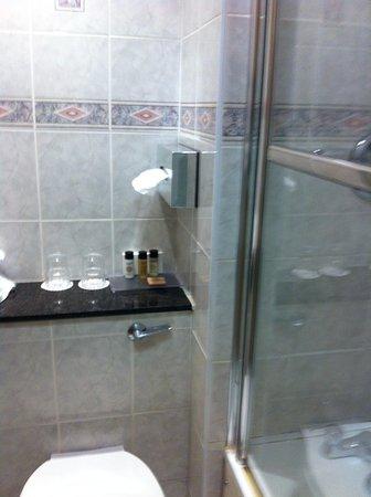 Ennis, Irlanda: bath 2