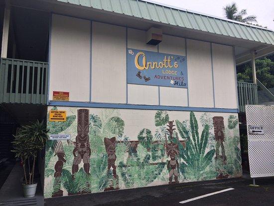 Arnott's Lodge: photo0.jpg