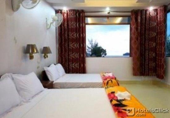 Golden River Bungalows : Guest room