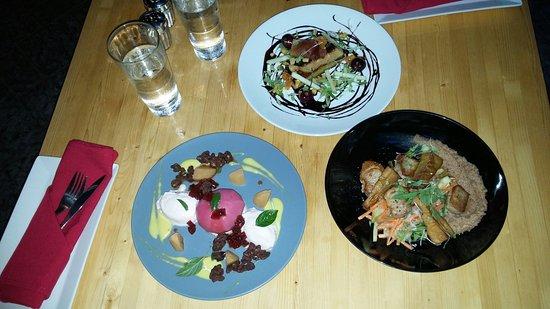 L'aubergiste Resto-Bistro: Betterave, pétoncles de porcelet, foie gras