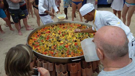 Bayahibe, Dominikana: Paella en la playa.