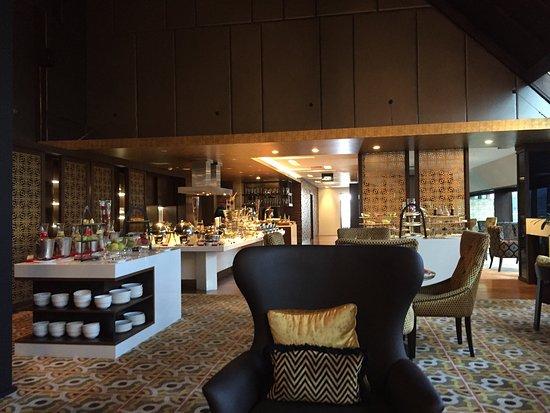Gran Melia Jakarta: Executive lounge breakfast spread