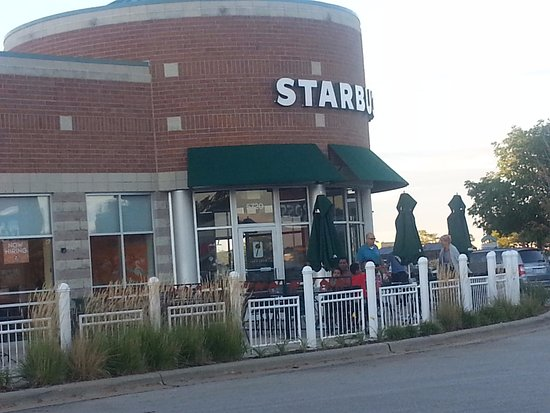 Starbucks: corner entrance & patio