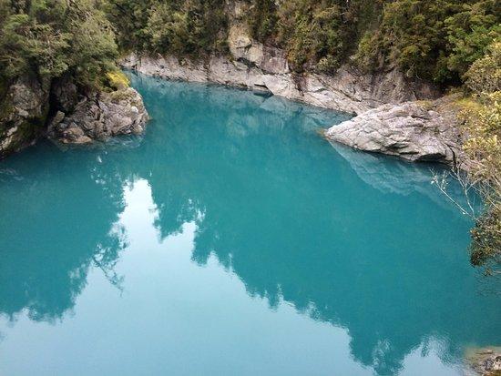 Hokitika gorge - glacier fed blue waters