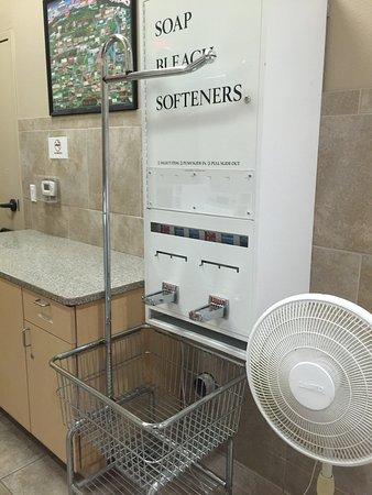 Red Bluff, CA: Laundry rooms, ladies restroom