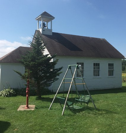 Brainerd, MN: Old one-room school