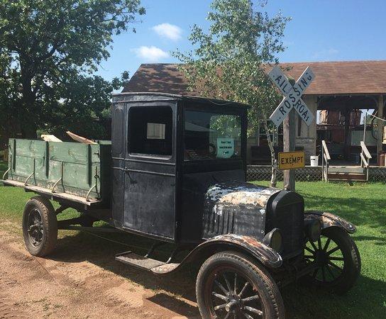 Brainerd, MN: Old truck