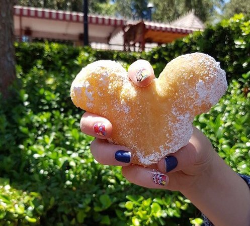 Mickey Beignets! My absolute favourite food in all of Disneyland!!