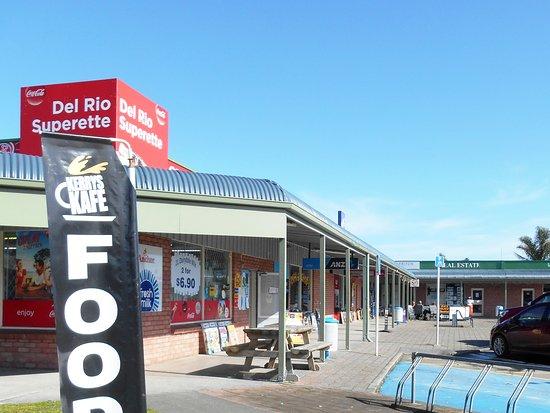 Gisborne, New Zealand: Local village shopping centre