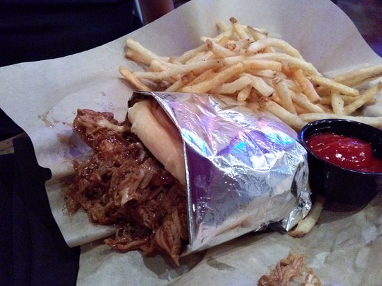 Pullman, WA: Pulled Pork sandwich
