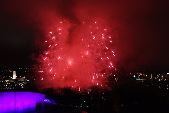 Oakes Hotel Overlooking the Falls: 自室から見た週末夜の花火