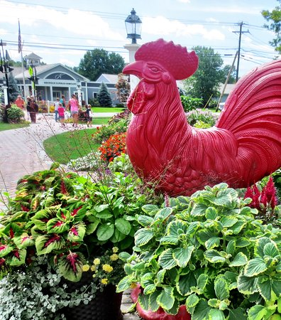 Bernardston, MA: The signature red rooster