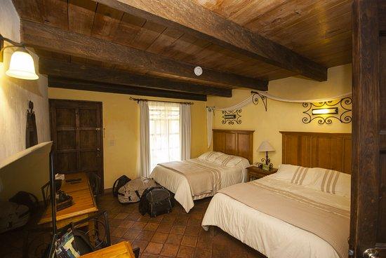 Hotel Casavieja Photo