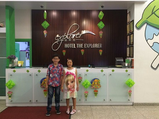 The Explorer Hotel: children at Hotel Front Office