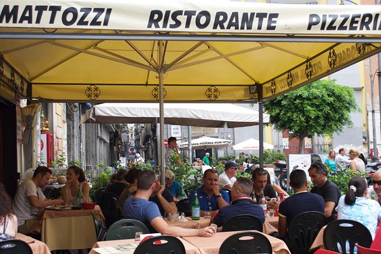 Ristorante Pizzeria Mattozzi: The outdoor eatery