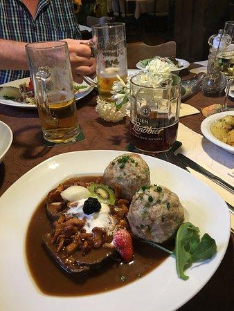 Bad Berneck im Fichtelgebirge, Tyskland: Gasthof Goldener Hirsch