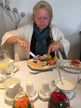 Beachgate Guest House : Fantastisk fruktfrukost som alternativ till bacon och scrambled eggs.