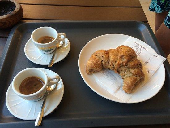 Leckere Croissants und Kaffee 👍