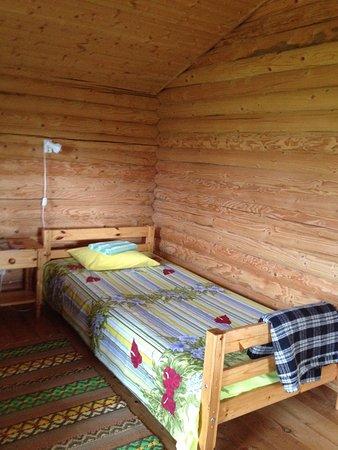 Log cabin, pas d\'eau, toilettes sèches dans la cabane au fond du ...