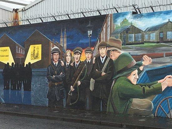 Official World Famous Belfast Black Taxi Tour: photo3.jpg