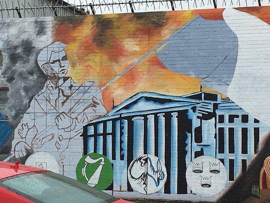 Official World Famous Belfast Black Taxi Tour: photo4.jpg