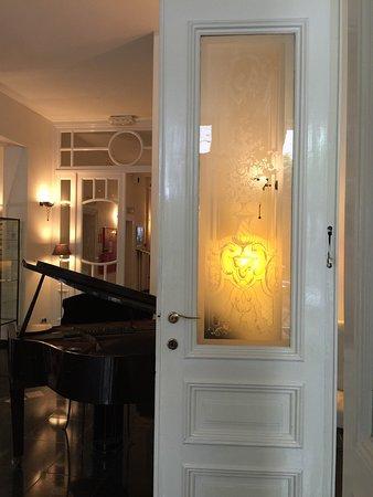 Hotel 't Sandt: PRIMA hotel en locatie en kamers achterkant rustig