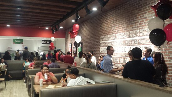 Fontana, CA: Busy promotional night.  But the line moved fast.  Cooks in about 2 minutes