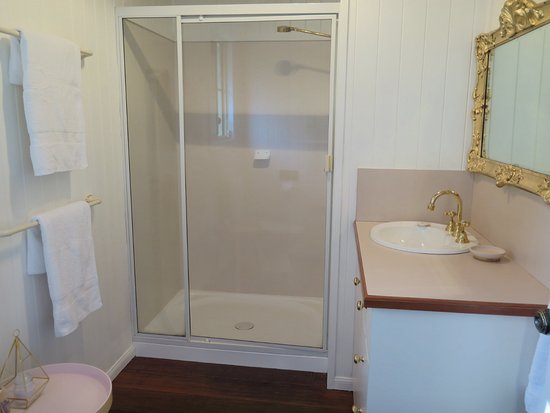 Stanthorpe, Australien: Bathroom Mulberry Cottage
