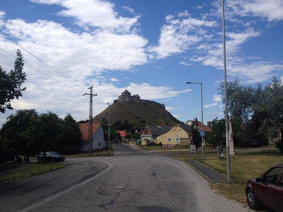 Sumeg, ฮังการี: Exterior view on castle hill