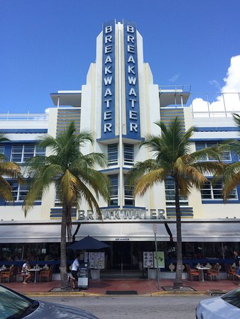 the official art deco walking tour by the miami design preservation