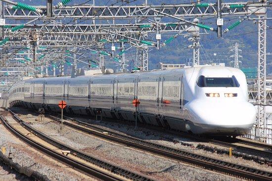 系 引退 700 引退秒読み、新幹線700系「カモノハシ」の20年