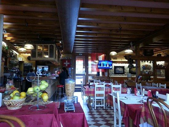 La Cure, Франция: Restaurant