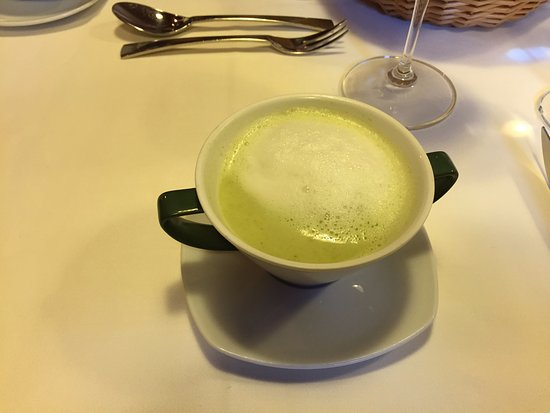 Hopfgarten in Defereggen, ออสเตรีย: Broccolicremesuppe