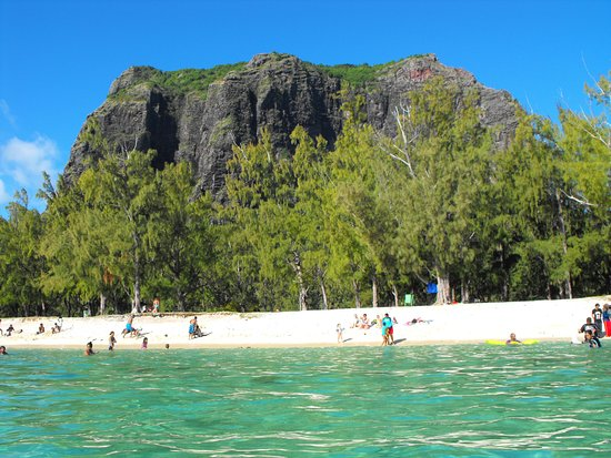 Le Morne beach, with mountain in background