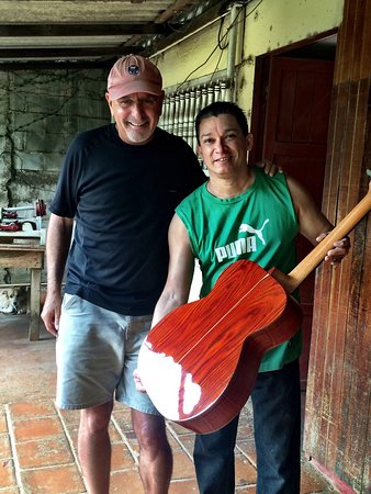Масая, Никарагуа: Guitarras Zepeda