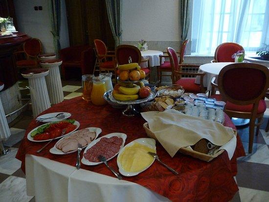 Hotel Man-Tess: A tasty breakfast