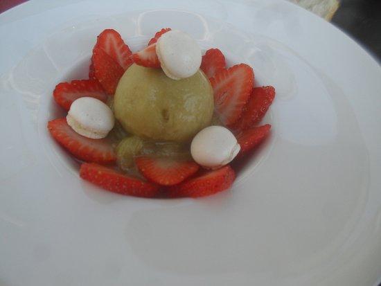 Influence : Dessert : fraises rhubarbe