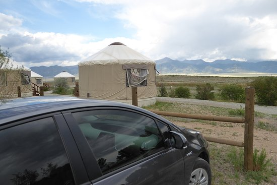 Moffat, Kolorado: Can park the car right behind the Yurt