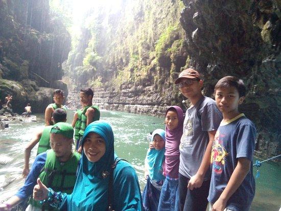 West Java, อินโดนีเซีย: at green canyon