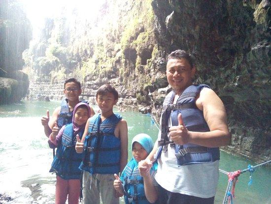 West Java, อินโดนีเซีย: short body rating start from cukang taneuh