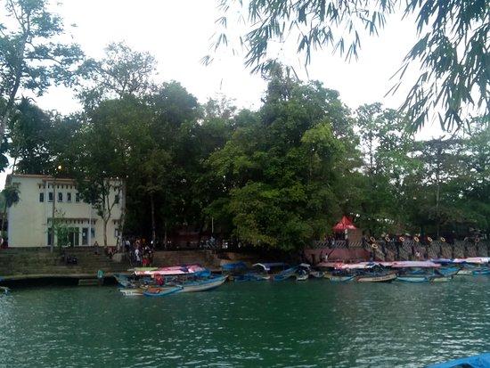 West Java, อินโดนีเซีย: cukang taneuh dock