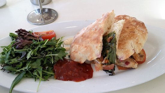 Silverdale, نيوزيلندا: Chicken, brie, cranberry panini