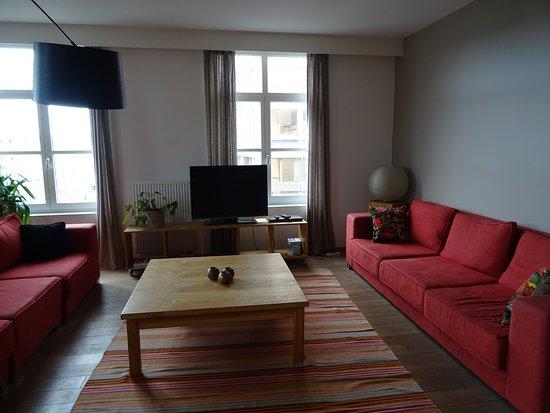 Antwerpen, België: 2 bed 5th floor Apartment