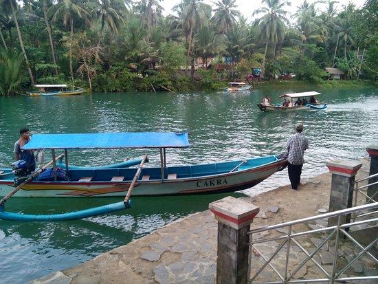 West Java, อินโดนีเซีย: Cukang Taneuh Boat Dock