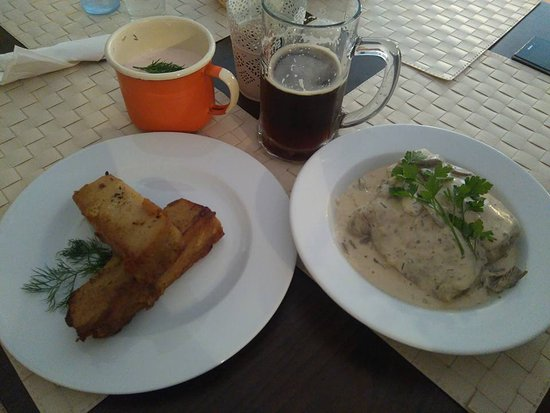 Suprasl, Polonya: Tołkanica z chłodnikiem i gołąbki ziemniaczane