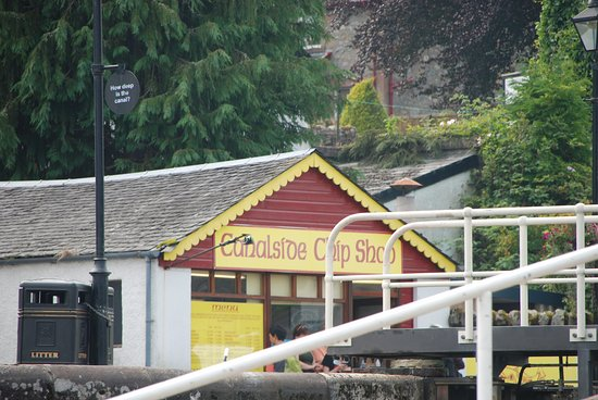 Canal Side Chip Shop: photo taken from side of lock ..