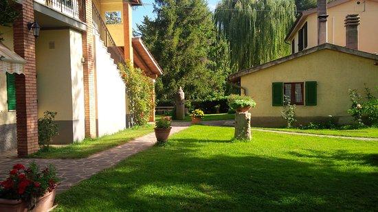 Agriturismo Il Capannone: parte di giardino