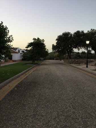Archidona, สเปน: Parte trasera de hotel pero dentro del recinto